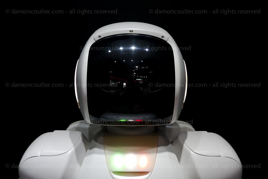 dc asimo robot-201306282191